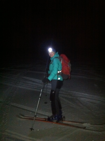 Bit of night time skiing action
